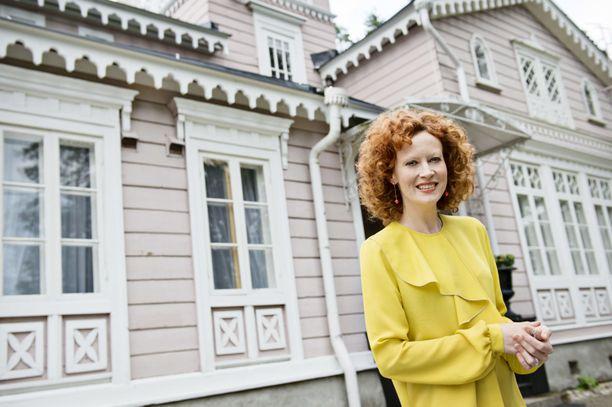 Saimi Hoyer toivoo, että ihmiset satsaavat kotimaanmatkailuun koronakriisin jälkeen.