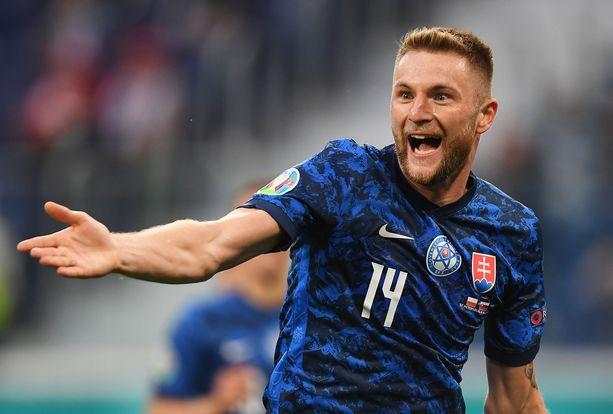 Milan Skriniar tuuletti Slovakian voittomaalia.
