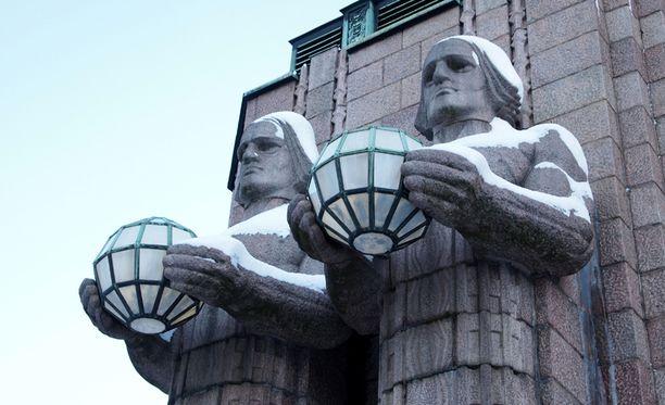 Suomi on tällä hetkellä ainoa maa, jonka järjestö luokittelee erittäin vakaaksi. Kuva Helsingin Rautatieasemalta.