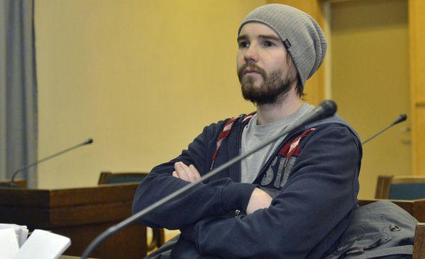 Harri Olli vastasi pahoinpitelysyytteeseen Lahden käräjäoikeudessa.