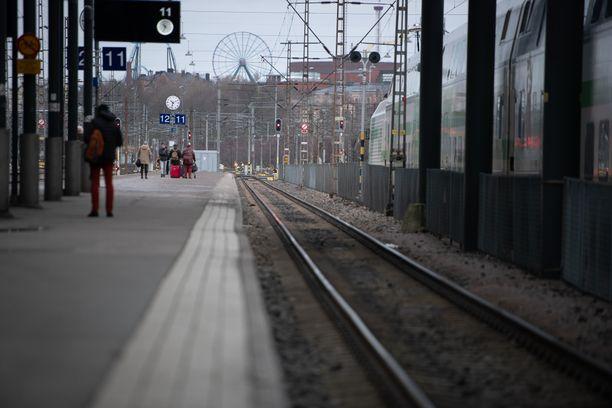 Somessa varoitellaan junien pitkäkyntisistä, mutta VR kiistää varkauspiikin.