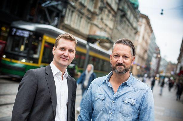 MOIA:n Teemu Sihvola (kuvassa vasemmalla) ja Ole Harms toivovat näkevänsä palvelun jossain vaiheessa myös Helsingissä.