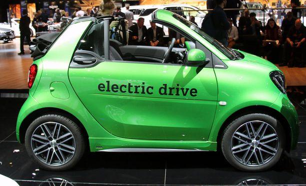 Kaikki smart-autot saa nyt myös sähköisenä. Kesäunelma - avokattoinen täysin äänetön smart.