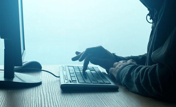 Keskusrikospoliisi muistuttaa, että poliisi lähettää sähköpostia vain poliisi.fi-loppuisista sähköpostiosoitteista. Kuvituskuva.