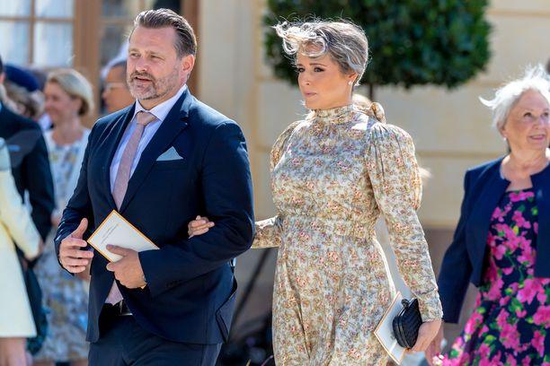 Lina Hellqvist ja Mattias Wikström osallistuivat prinssi Julianin kastejuhlaan viime viikonloppuna.