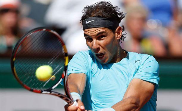 Rafael Nadal eteni vakuuttavalla esityksellä Ranskan avointen finaaliin.