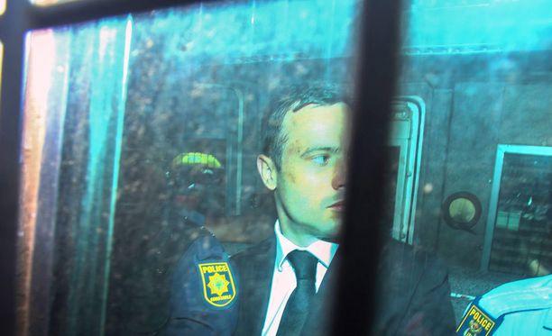 Oscar Pistorius vietiin tiistaina vankilaan.
