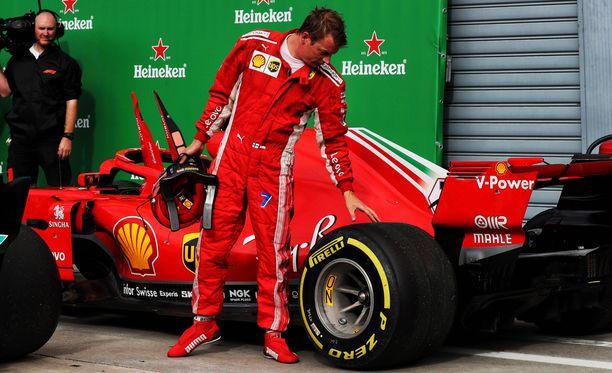 Tässäkö syy Ferrarin taktiikkaan? Kimi Räikkösen auto ja Monzan rata kuorivat pehmeän seoksen takarenkaan täysin rakkuloille viime sunnuntaina.