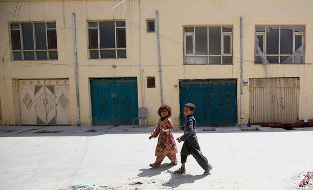 Suomalaisnainen siepattiin tämän asuinpaikasta Kabulissa. Hyökkäyksessä kuoli saksalainen avustustyöntekijä.