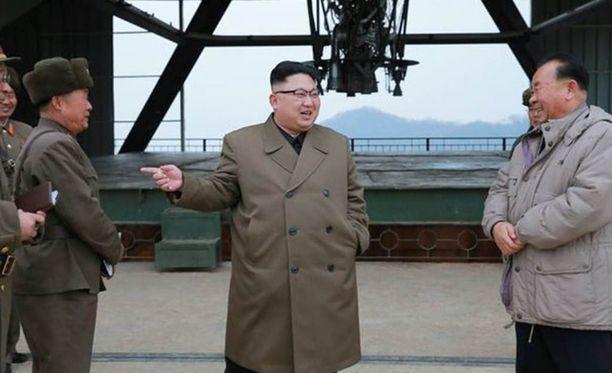 Onnistunut ohjuskoe sai diktaattorin myhäilemään.