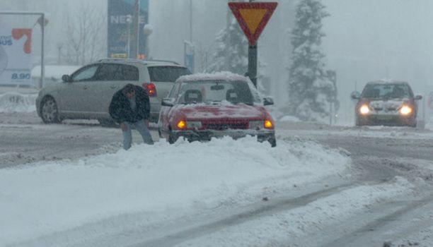 Huono ajokeli aiheutti paljon peltikolareita. Kuva vuodelta 2005.