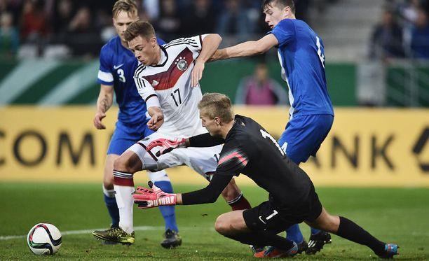 Maalivahti Otso Virtanen sai ensimmäiset minuuttinsa Hibernianissa.