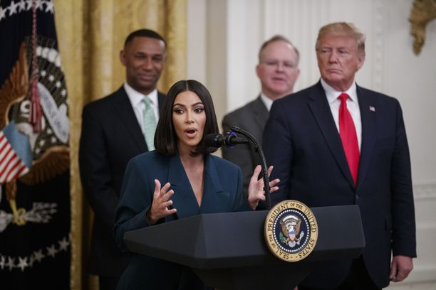 Presidentti Donald Trump on kutsunut Kim Kardashian Westiä ja tämän puolisoa Kanye Westiä ystävikseen.