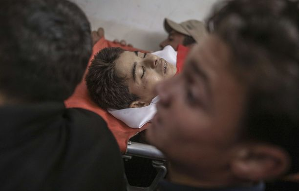 Azam Ewidah, 15, kuoli huhtikuun lopulla Israelin tulituksessa.