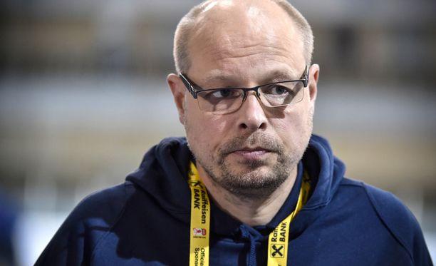 Urheilulääkäri Harri Hakkarainen kertoo, että normaalisti sujuneesta raskaudesta on hyötyä huippu-urheilussa.