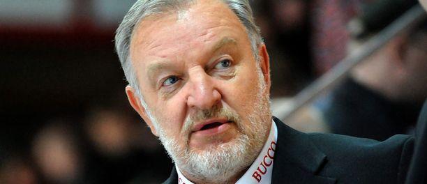 Pekka Rautakallio on yksi KHL:n kolmesta suomalaisesta käskijästä. Kaksi muuta ovat Torpedon Kari Jalonen ja Amurin Hannu Jortikka.