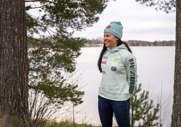 Krista Pärmäkoski on viettänyt viime ajat Vuokatissa. Kuva maajoukkueen lehdistötilaisuudesta 20. lokakuuta.