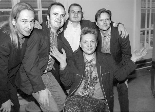 Miljoonasade perustettiin vuonna 1985. Olli Heikkinen kuvassa toisena vasemmalta.