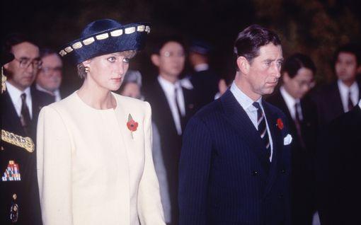 Lehtiväite: Prinsessa Diana manipuloitiin kohuhaastatteluun törkeillä aborttipuheilla