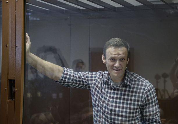 Oppositiopoliitikko Aleksei Navalnyi aloitti vankilassa nälkälakon. Kuva otettu oikeudenkäynnistä ennen vangitsemista.