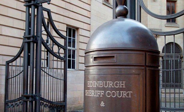 Oikeutta käytiin Edinburghissa. Lopullisen tuomionsa Delacruz saa syyskuussa.