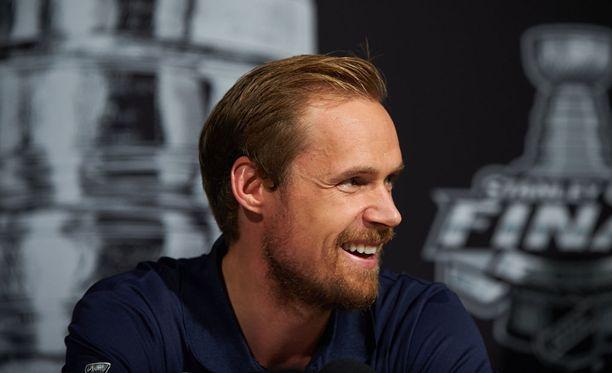 Pekka Rinne ja muut Predatorsin pelaajat saivat hellyttävän videoviestin pieneltä Wrigley-tytöltä.
