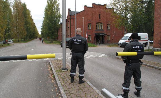 Turvapaikanhakijat nahistelivat keskenään Hennalassa Lahdessa.