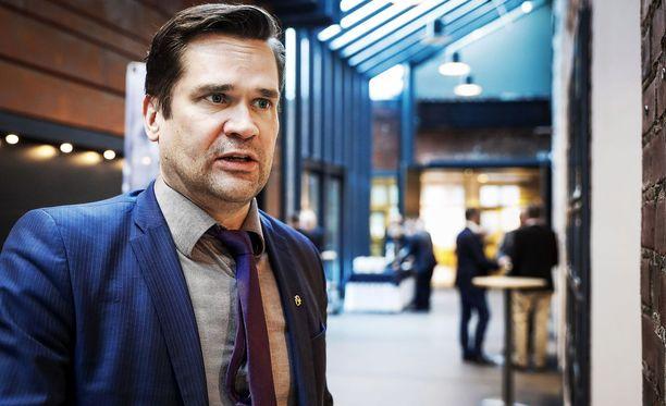 Ulkopoliittisen instituutin ohjelmajohtaja Mika Aaltola sanoo puhelun kertovan siitä, että Suomen ja Yhdysvaltojen suhteet ovat kunnossa.