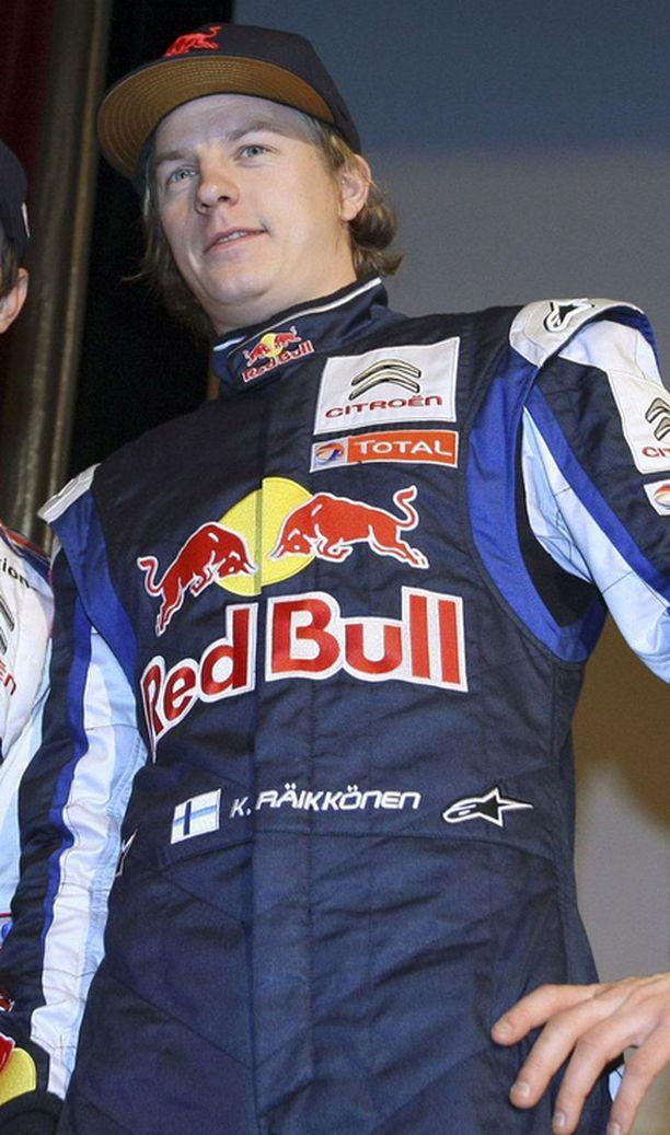 Kimi Räikkönen tykkää rallin ilmapiiristä.
