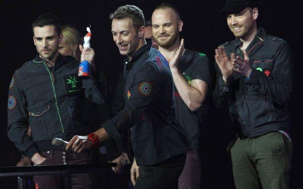 Coldplay palkittiin parhaana brittiyhtyeenä.