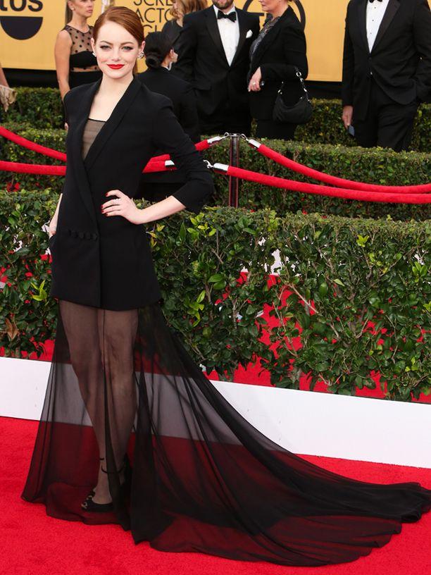 Emma Stone edusti läpinäkyvässä helmassa.