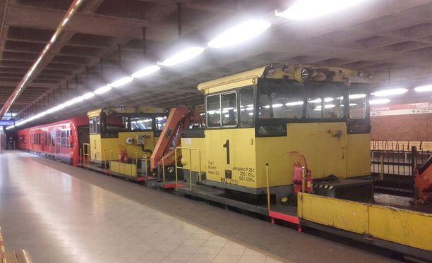 Helsingissä Vuosaaren ja Itäkeskuksen välinen metroliikenne on poikki ainakin keskiviikon ajan.