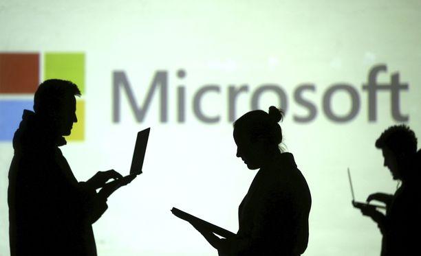 Huijarit tekeytyivät Microsoftin asiakastueksi.