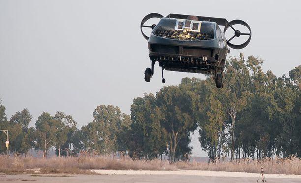 AirMule-lennokki koelennolla Israelissa.