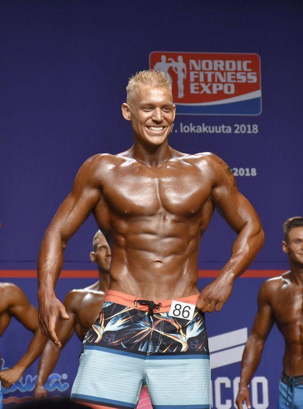 Andrew Fahy lavalla Fitness Classicissa Helsingin Kulttuuritalolla.