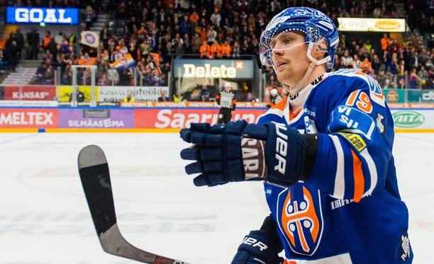 Veli-Matti Savinainen lähtee Mansesta kahden mestaruuden kanssa.