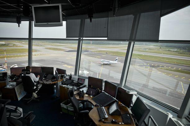 Tältä näytti lennonjohtotornista Helsinki-Vantaalla muutama vuosi sitten.