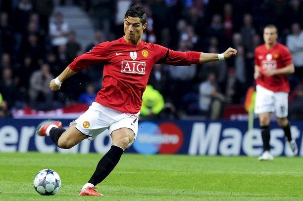 Cristiano Ronaldon siirto Manchester Unitediin on viimein maalissa.