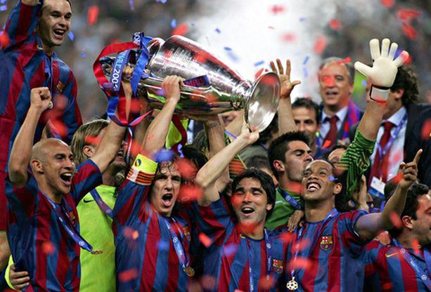 VIHDOINKIN! Barcelonan pelaajat juhlivat villisti Mestareiden liigan voittoa.