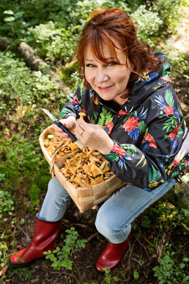 Vicky Rosti on innokas sienestäjä.