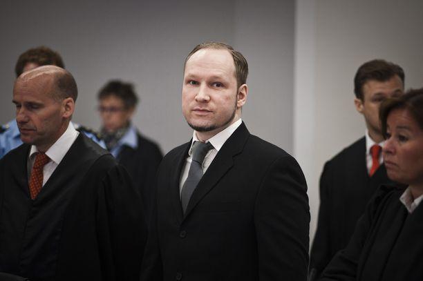 Anders Behring Breivik murhasi 77 ihmistä heinäkuussa 2011. Hän ei ole osoitttanut minkäänlaista katumusta teostaan.