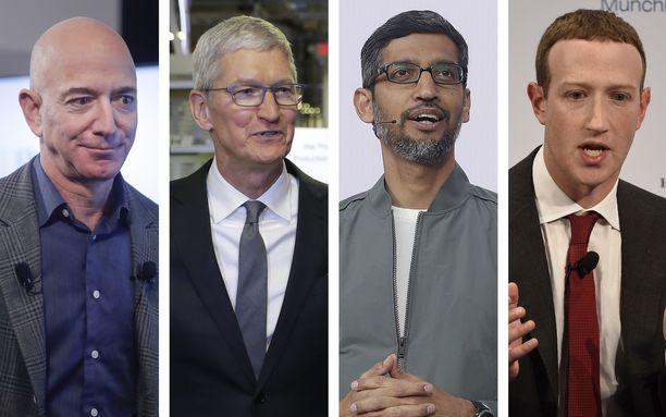 Amazonin Jeff Bezos (vas.) Applen Tim Cook,  Googlen Sundar Pichai ja Facebookin Mark Zuckerberg ovat kongressin kuultavina.