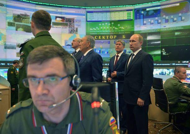 Venäjän presidentti Vladimir Putin on törmäyskurssilla lännen kanssa. Hän esitteli joulukuussa Moskovassa Venäjän puolustuskeskusta.