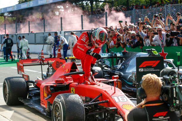 Ferrarin Charles Leclerc on juhlinut voittoa kahdessa edellisessä F1-osakilpailussa.