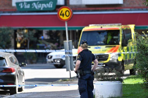 Malmön epäilty murha on järkyttänyt Ruotsia. Kuvassa eristetty rikospaikka.