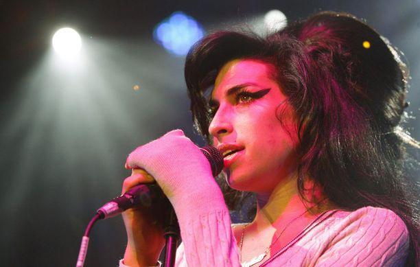 Amy Winehouse oli kuollessaan vain 27-vuotias.