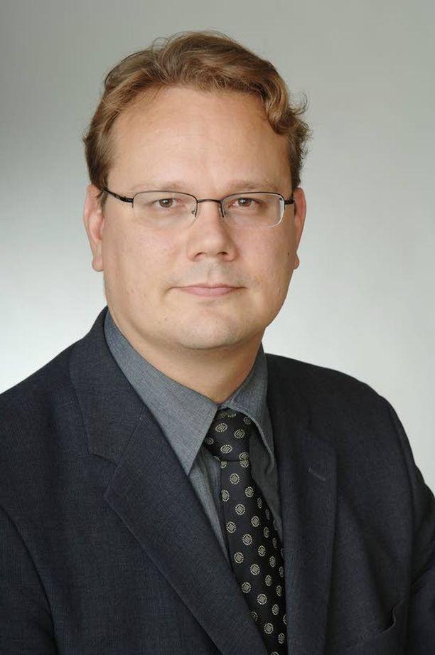 Keski-Uudenmaan ns. Kuuma-kuntien vastahyökkäystä koordinoi vuorojaon mukaisesti Keravan kaupunginjohtaja Petri Härkönen. Pitkä ja hyvin sujunut yhteistyö loi vahvan perustan yhteisrintamalle.