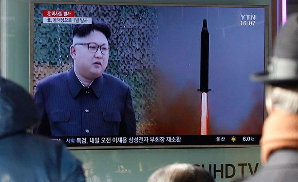 Ohjuksen laukaisua seurattiin huolestuneina ainakin Etelä-Koreassa.