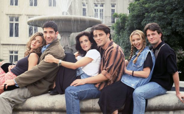 Frendit-sarjan kuusikko vasemmalta:  Jennifer Aniston ( Rachel Green), David Schwimmer (Ross Geller), Courteney Cox ( Monica Geller), Matt LeBlanc (Joey Tribbiani), Lisa Kudrow (Phoebe Buffay) ja Matthew Perry (Chandler Bing).