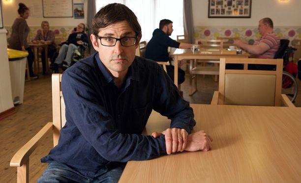 Louis Theroux tapaa dokumentissaan vakavan aivovamman saaneita ihmisiä.